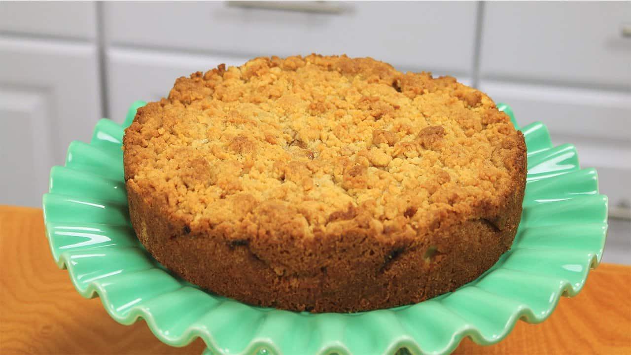 rosh Hashanah, rosh Hashanah apple crumble cake, baking, rosh Hashanah recipes, apple cake, apple recipes, apples, rosh hashanah cakes, rosh hashanah recipes, rosh Hashanah dessert recipes