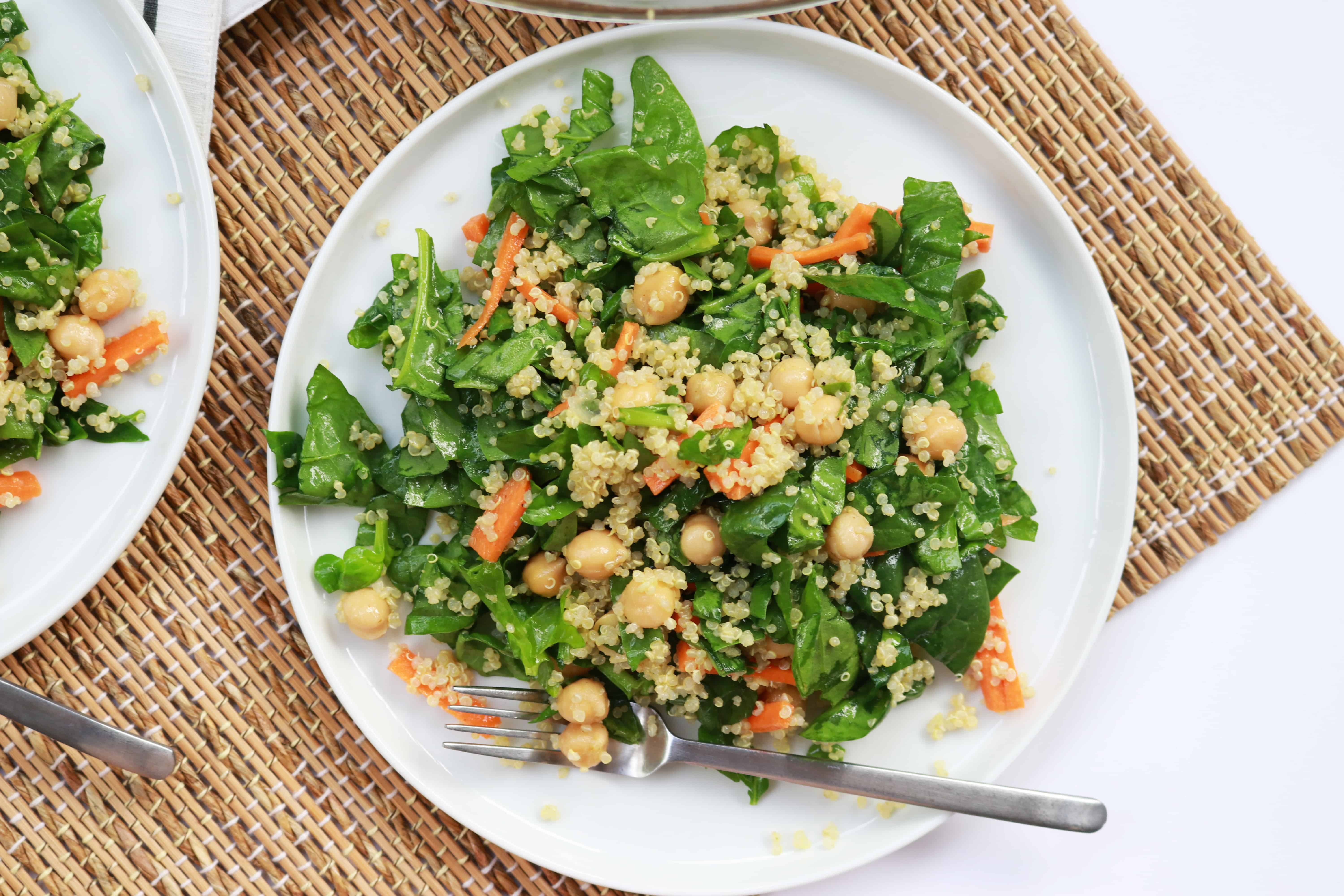 quinoa, quinoa salad, protein packed quinoa salad #healthy #healthycooking #healthylunch #lunchideas lunch ideas, lunches, summer, summer lunches, summer cooking,