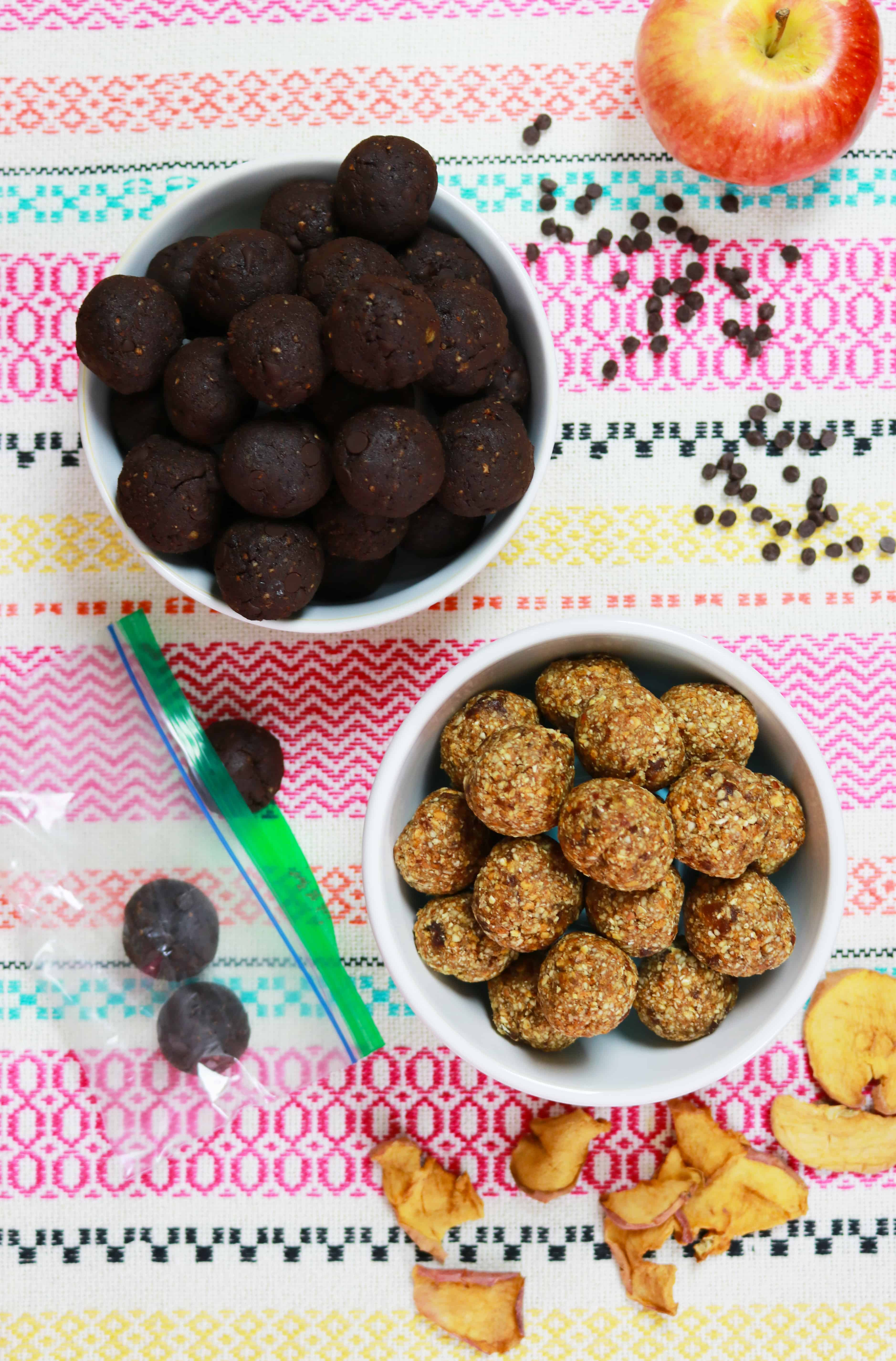 no bake energy bites, protein bites recipe, chocolate energy bites, healthy cooking, back to school, back to school snacks, back to school recipes #energybites #healthyenergybites,#energybitespinterest #energybiteshealthy #energybitesrecipes #itsrainingflour #healthyblog #recipes2017 #backtoschool
