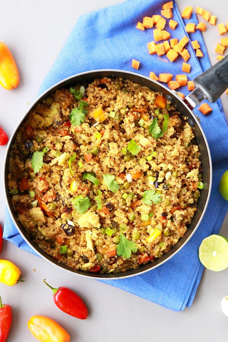 quinoa fried rice, quinoa fried rice recipe, quinoa, how to cook quinoa, quinoa recipes, fried rice, fried rice recipes, easy quinoa fried rice recipe, easy lunch recipes, easy healthy recipes, quinoa fried rice recipe easy, healthy quinoa recipes, easiest quinoa recipes, scallions, eggplant, carrots, peas, garlic, sesame oil, healthy dinner recipes, healthy dinner ideas, itsrainingflour,