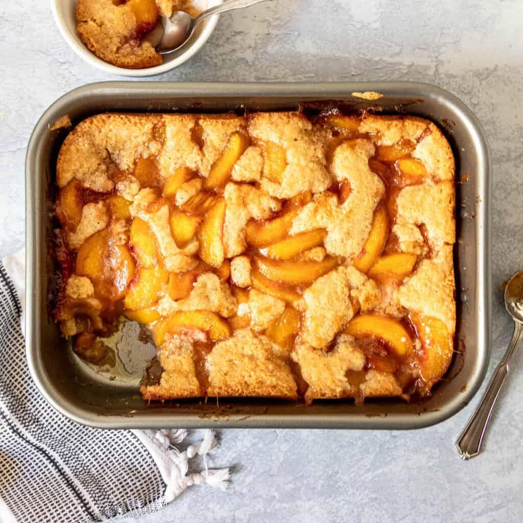 baked gluten free peach cobbler