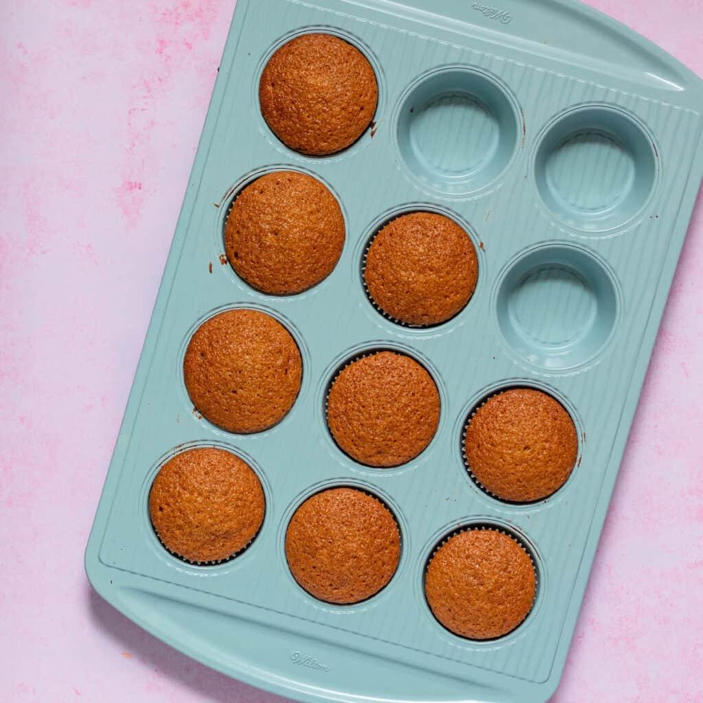 honey cupcakes in wilton pan